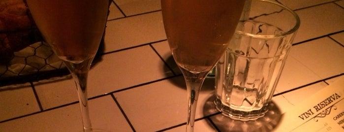 Aria Wine Bar is one of Lina : понравившиеся места.