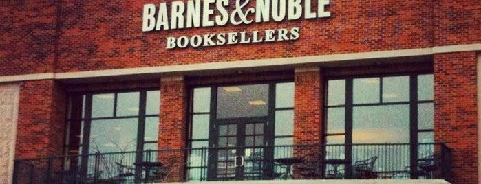 Barnes & Noble is one of Posti che sono piaciuti a Lauren.