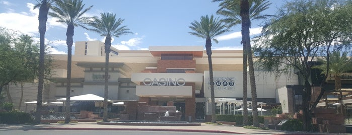 Red Rock Casino Resort & Spa is one of Posti che sono piaciuti a Valerie.