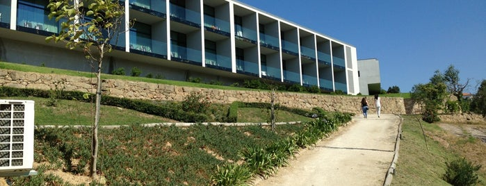 Douro Palace Hotel Resort & SPA is one of April'in Beğendiği Mekanlar.