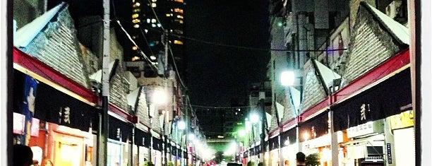 月島西仲通り商店街 is one of Lugares guardados de Hide.