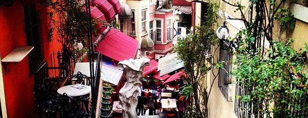 Cezayir Sokağı is one of Istanbul <3.