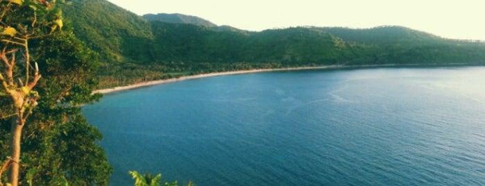 Pantai Nipah Malimbu is one of Locais curtidos por Arie.
