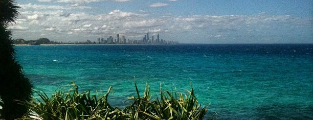 Burleigh Heads Point is one of Tempat yang Disukai Nate.