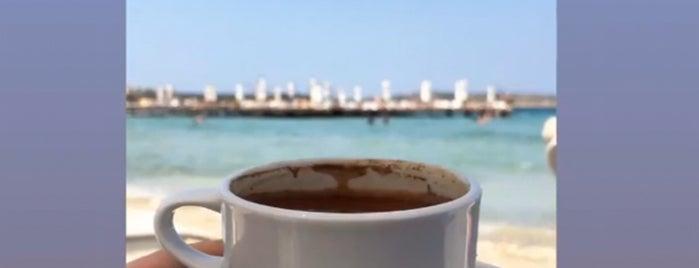 Boyalık Beach Hotel Çim Alan is one of Posti che sono piaciuti a Guclu.