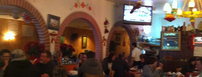 Casa Lupe is one of Posti che sono piaciuti a Alden.