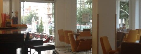 Cafe Ste is one of สถานที่ที่ Selahaddin Eyyubi ถูกใจ.