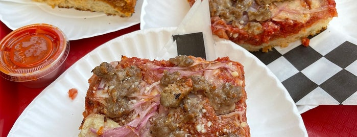Sauce Pizzeria is one of Pizza.