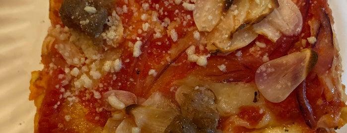 Sauce Pizzeria is one of Posti salvati di Adam.