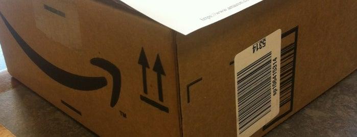 The UPS Store is one of Tempat yang Disukai Brian.