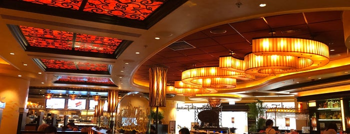 The Cheesecake Factory is one of Katrina : понравившиеся места.