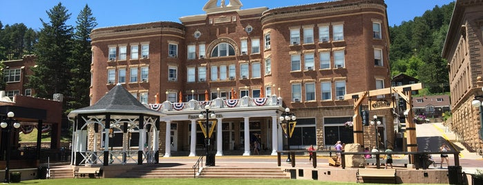 Historic Franklin Hotel is one of Best Places to Check out in United States Pt 4.