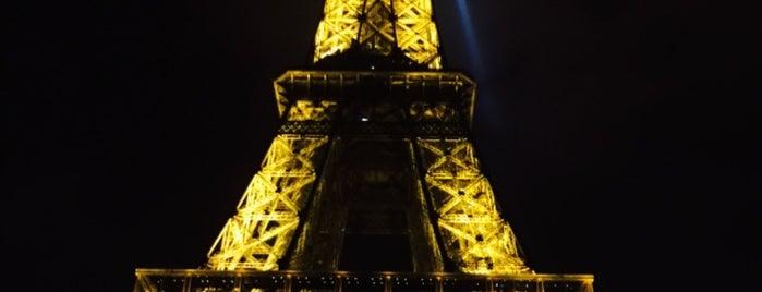 Torre Eiffel is one of Lugares favoritos de Priscilla.