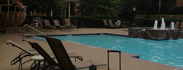 The Heights Front Pool is one of Single joints of Ft worth.