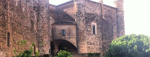 Real Monasterio de Santa María de Guadalupe is one of สถานที่ที่ Miguel ถูกใจ.