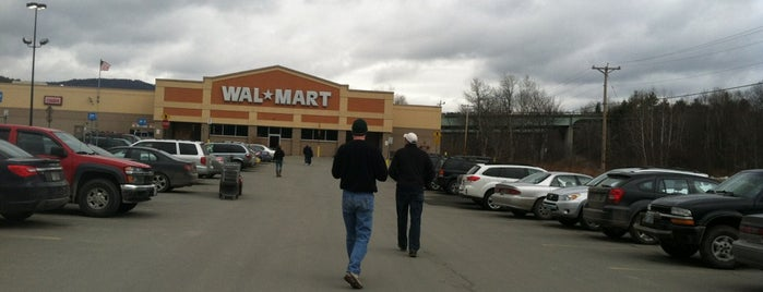 Walmart is one of Lugares favoritos de Mike.