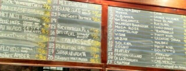 Liberty's Bar & Bottle is one of Locais salvos de Logan.