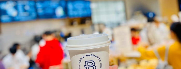Paris Baguette is one of Locais curtidos por Jingyuan.