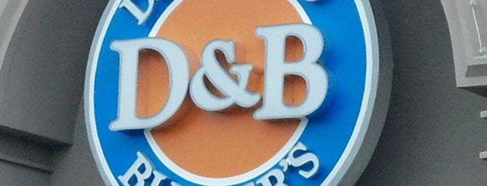Dave & Buster's is one of Lugares favoritos de Jody.