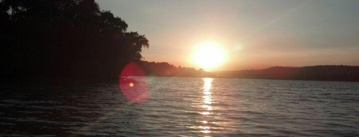 "Laguna Atlangatepec ""Fuerte Apache"" is one of Bri 님이 좋아한 장소."