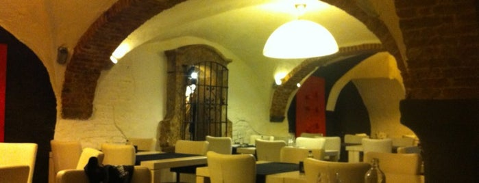 Restaurant Curiosa is one of Extranjia.
