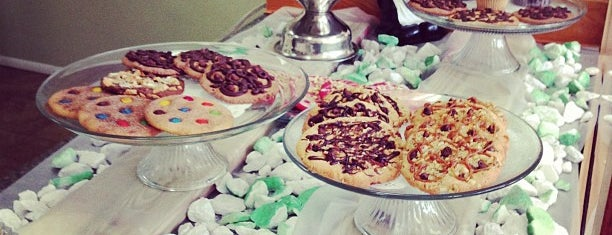 Camilleon Cookies & Salads is one of Locais curtidos por Laura.