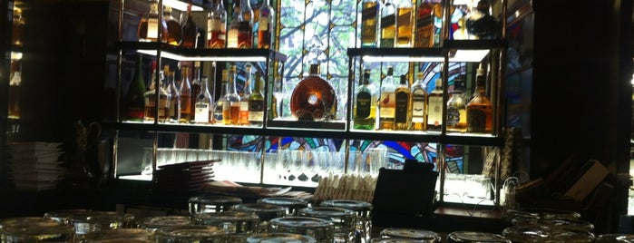 The Lobby Bar is one of BarChick in St. Petersberg.