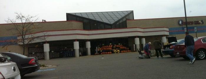 Tom's Food Center is one of Posti che sono piaciuti a Ray.