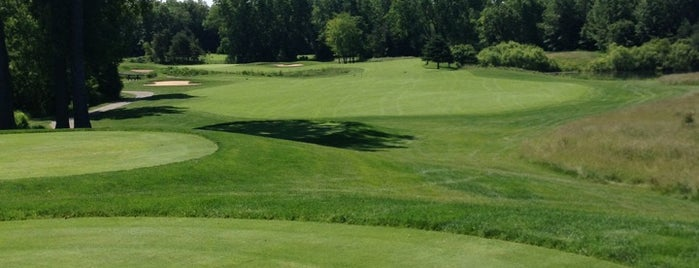 Hawk Hollow Golf Course is one of Locais curtidos por Brandon.