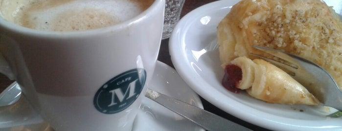 Café Martínez is one of Posti che sono piaciuti a Nicolás.