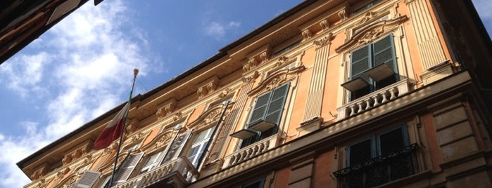 Palazzo Bianco is one of √ Best Tour in Genova.