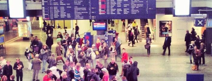 Bahnhof Bern / Gare de Berne is one of Dave 님이 좋아한 장소.