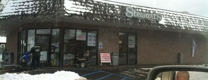 Stewart's Shops is one of Tempat yang Disukai Matt.