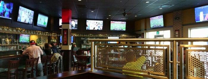 The Greene Turtle Sports Bar & Grille is one of Orte, die Lauren gefallen.