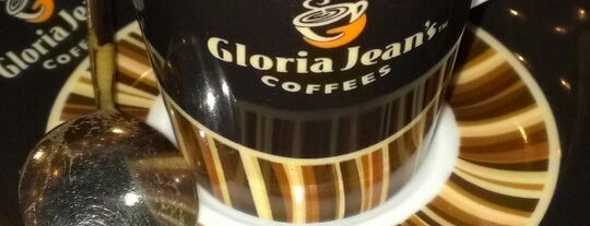 Gloria Jean's Coffees is one of Lieux qui ont plu à Sinan.