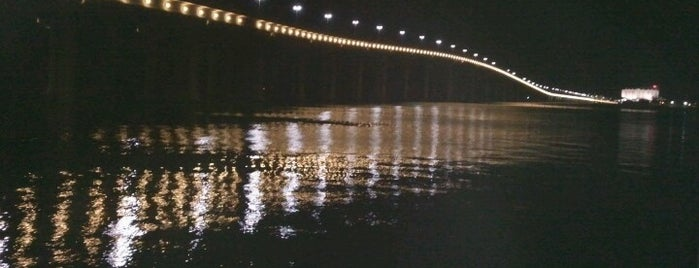 Biloxi/Ocean Springs Bridge is one of Jonさんの保存済みスポット.