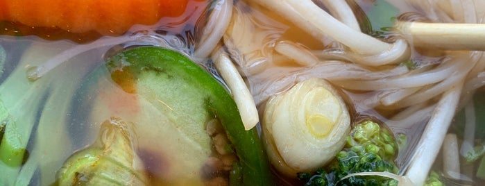 Vinason Pho And Grill is one of Amazon Campus (SLU) Lunch Spots.
