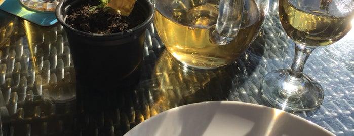 Tiflis Restaurant | ტიფლისი is one of Lieux qui ont plu à Evren.