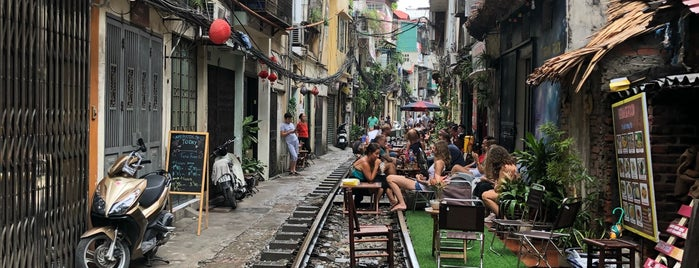 Hanoi Street Train is one of Hanoi.