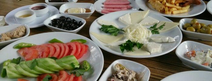 Esenbahçe Kuyu Kebabı Et Mangal is one of Posti salvati di Caner.