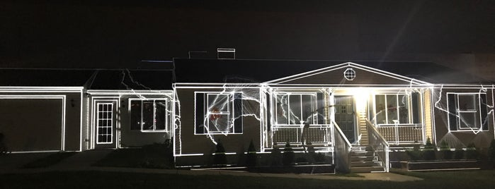 Mike Kelley's Mobile Homestead - MOCAD is one of Kaylaさんのお気に入りスポット.