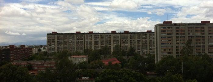 U. H. Nonoalco Tlatelolco 1ª Sección is one of Posti che sono piaciuti a Jorge.