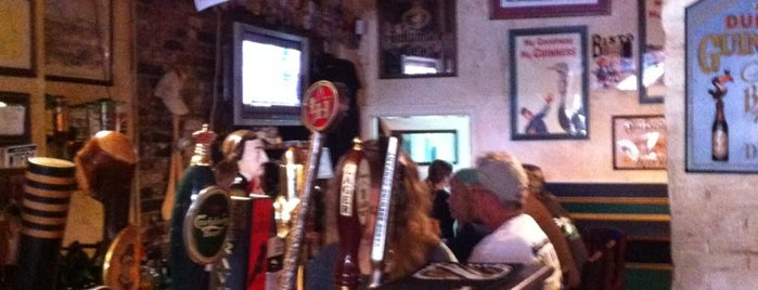 Garryowen Irish Pub is one of สถานที่ที่ Bart ถูกใจ.