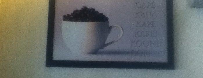 Cafe San Pablo is one of Lieux qui ont plu à Shine.