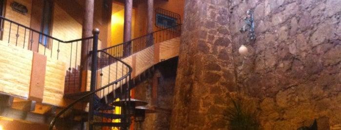 El Mesón de los Poetas is one of สถานที่ที่ Sandra ถูกใจ.