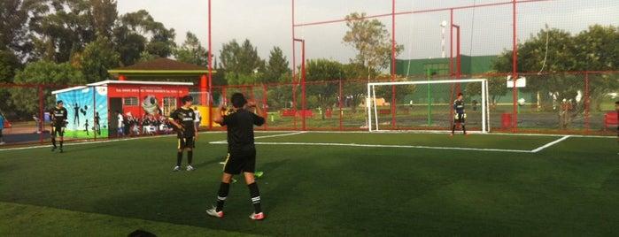 Deportivo Canal Nacional is one of Corriendo por la Ciudad.