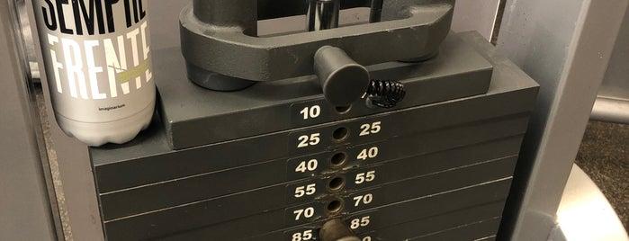LA Fitness is one of Lieux qui ont plu à Dan.