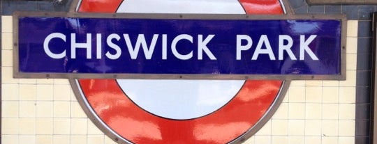 Chiswick Park London Underground Station is one of Adrianさんのお気に入りスポット.