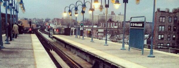 MTA Subway - 61st St/Woodside (7) is one of สถานที่ที่ K ถูกใจ.