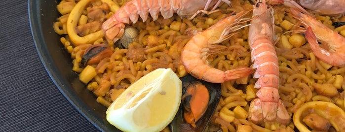 Restaurante Costa Blanca is one of สถานที่ที่ Paola ถูกใจ.